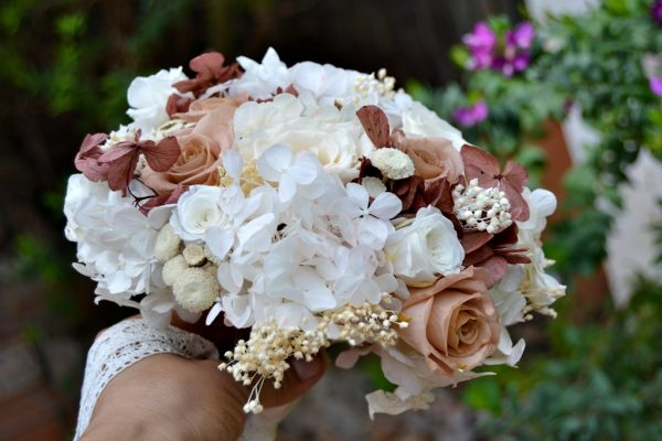 blush and maroon bridal bouquet