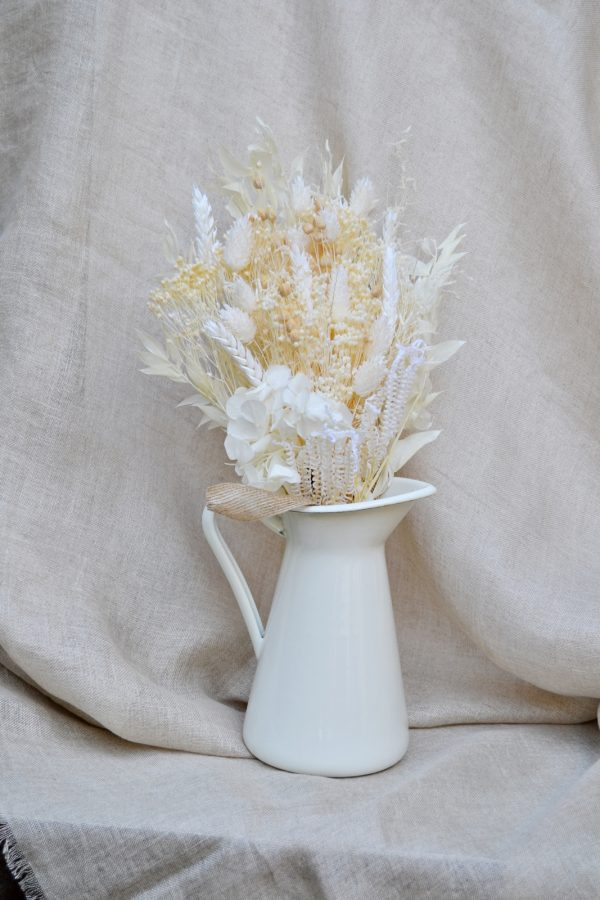 white dried flowers